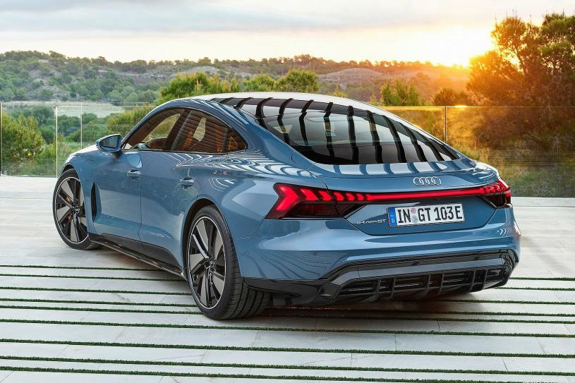 Audi E-tron Gt Saloon 390kW Quattro 93kWh 4dr Auto [C+S]