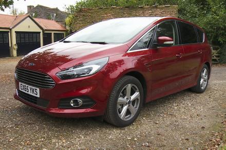 Ford S-max Estate 2.5 FHEV 190 ST-Line [Lux Pack] 5dr CVT