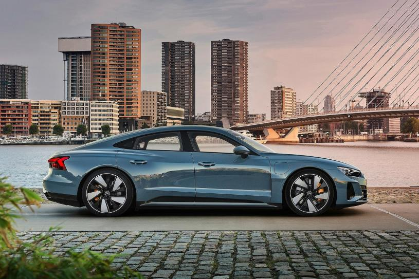 Audi E-tron Gt Saloon 390kW Quattro 93kWh 4dr Auto [C+S Plus]