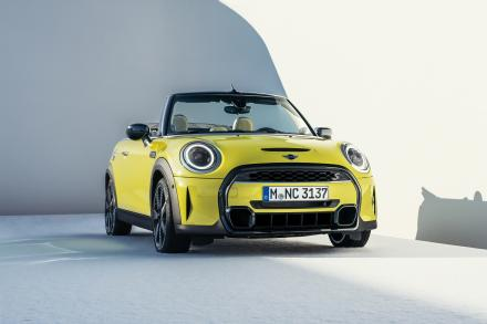 MINI Convertible Special Editions 2.0 Cooper S Shadow Edition 2dr [Nav Pack]