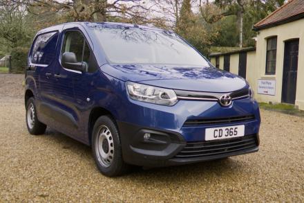 Toyota Proace Medium Diesel 1.5D 100 Active Van